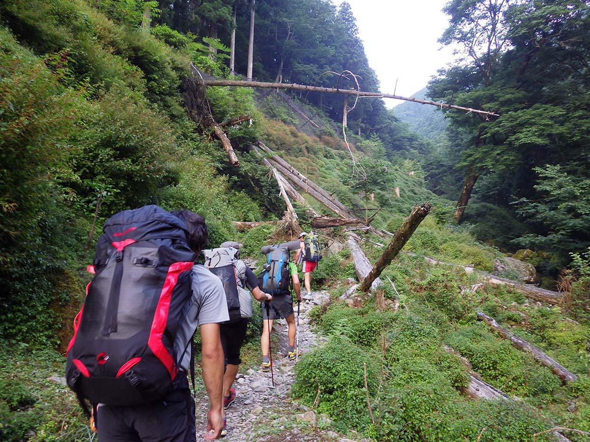 Trekking to Myojindaira