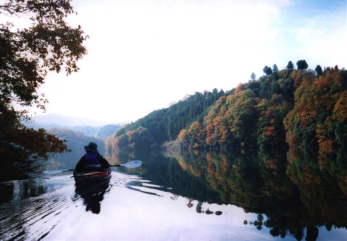 Kayaking on Shorenji Lake / 青蓮寺湖でカヤッキング