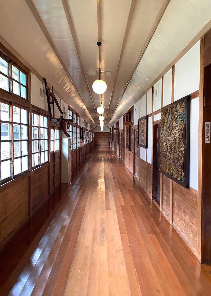 Hallway / 御杖交流会館の廊下