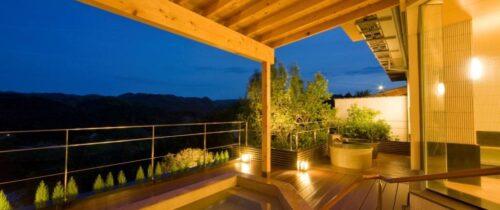 青蓮寺レークホテル・露天風呂 / Open air bath at Shorenji Lake Hotel